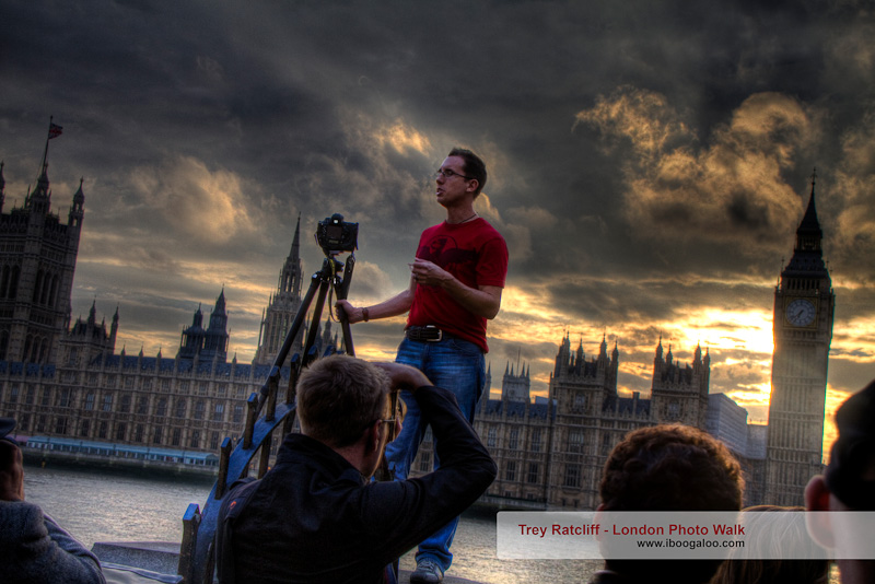 Trey Ratcliff leading the free London HDR Photo Walk